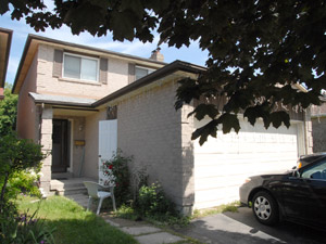 Room / Shared apartment for rent in RICHMOND HILL